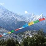 Entre montagnes belles à couper le souffle et drapeaux de prière, l'heure est à la méditation...