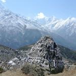 Et quand les prières bouddhistes ne sont pas sur les drapeaux, elles sont directement peintes sur les rochers...